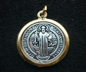 medalla de san benito magia blanca
